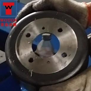 汽车制动器多轴钻孔