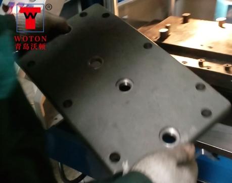 电机减速机盖板滑台式多轴锪孔攻丝专机