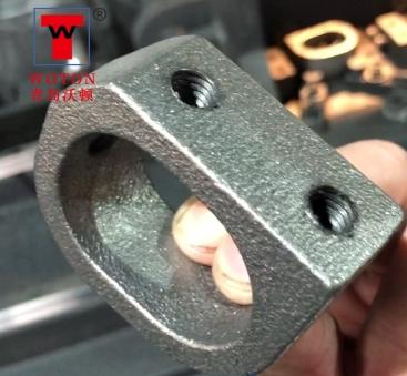 定位卡三工位滑台式多轴钻攻专机一次加工4件