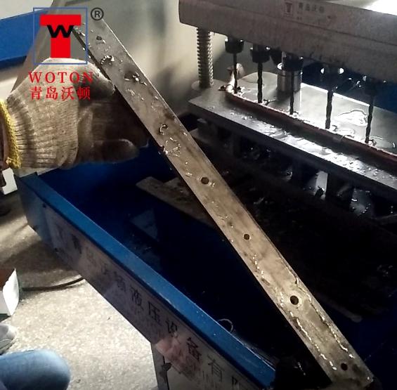电力配件扁钢板多轴钻床