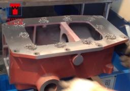 提升器箱体多轴钻孔加工