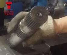 提升轴四工位卧式滑台式钻孔攻丝专机