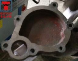 汽车水泵泵盖多轴钻床加工