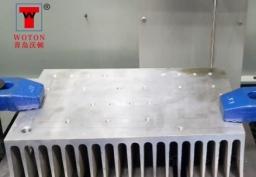 数控钻散热器密集孔位加工