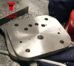 泵盖法兰二工位双联多轴钻床