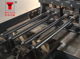 油缸活塞杆卧式多轴钻孔机(一次4件)